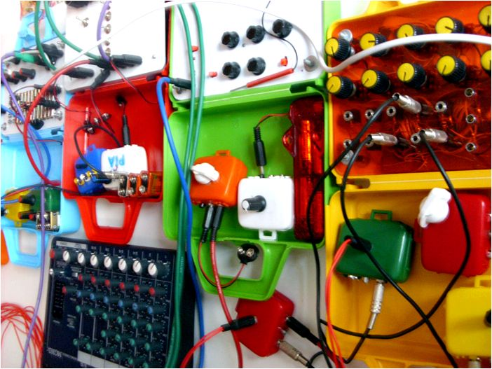 Circuit Bending Workshop re able to tell