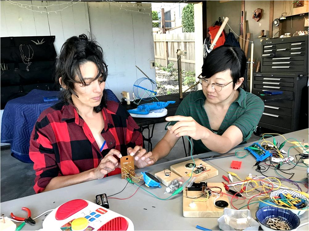 Circuit Bending Workshop tweak the pitch from the